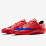 NIKE Mercurial Victory IC Size 42 [651635-650] - Bright Crimson/Prsn Violet